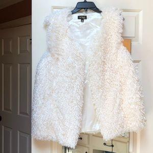 Jackets & Blazers - White fuzzy vest